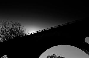 Ce Pont Qui Nous Sépare...